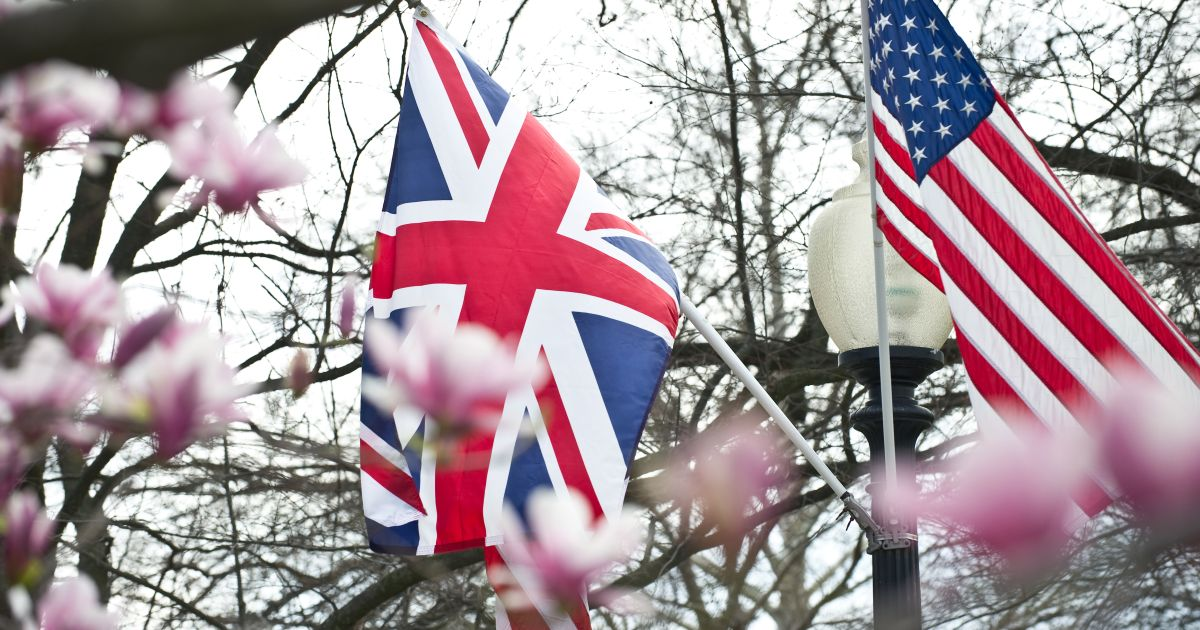 the us and uk takeover regulations In the public sphere, the uk takeover code (the code) gives effect to the eu takeovers directive, but cannot be said to derive from it on the contrary, the eu takeovers directive was heavily influenced by the.